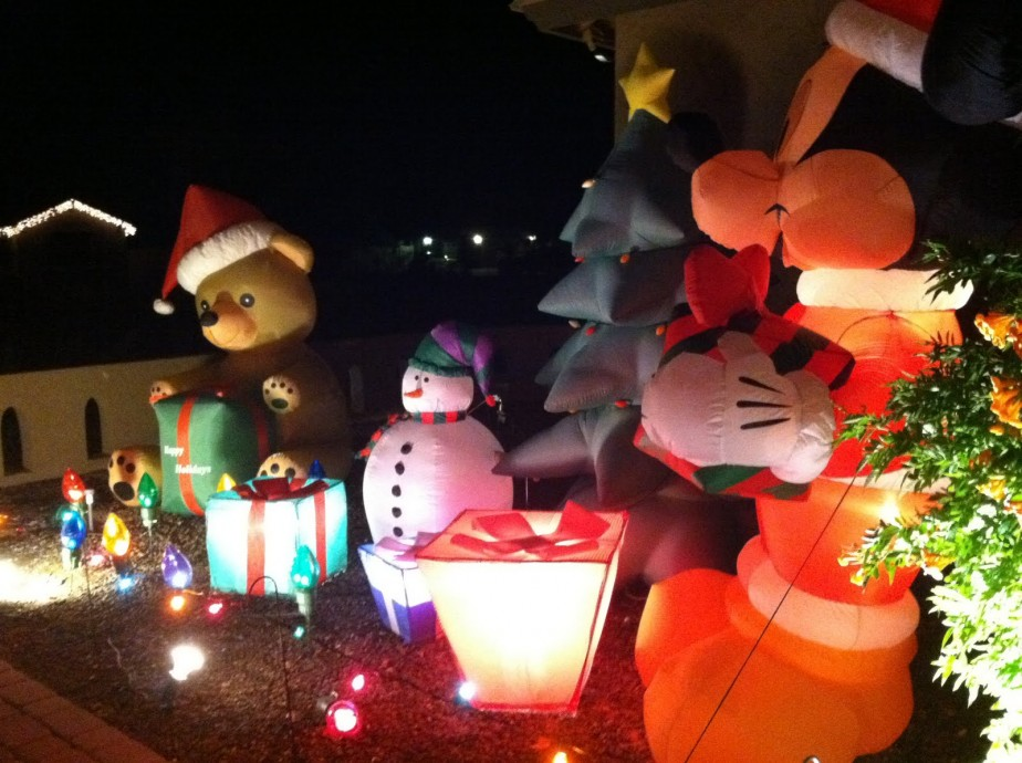 Picture of: Cool Glowing Tacky Inflatable Christmas Outdoor Decoration Ideas