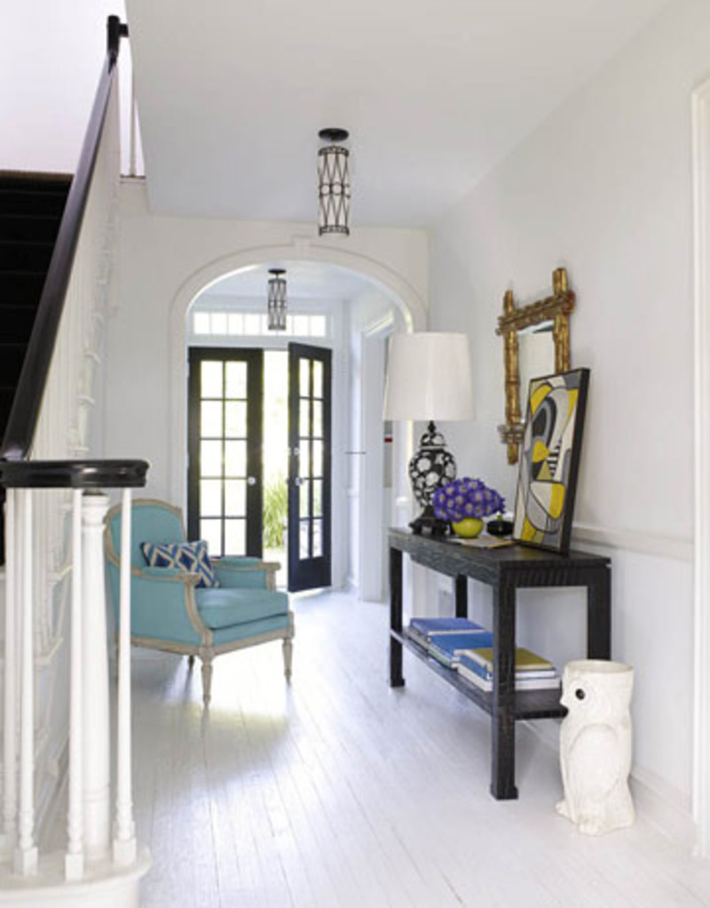 Image of: Decorating entryway tables