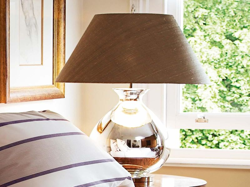 Image of: Glass Bedside Table Lamps