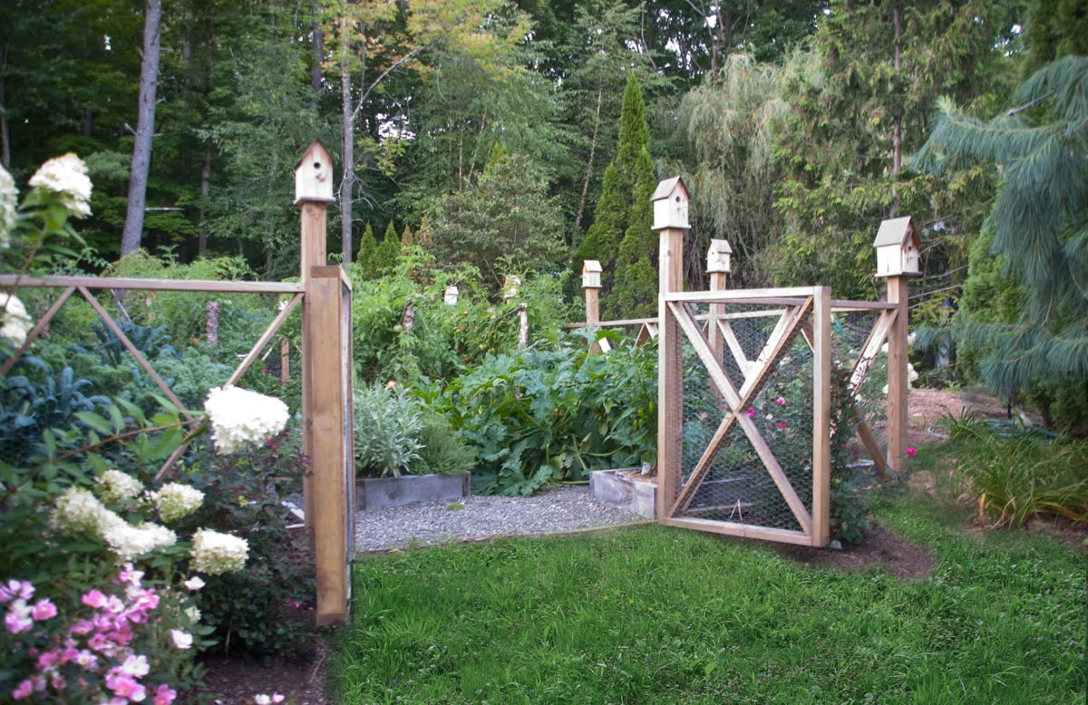 Image of: Beautiful Vegetable Garden Fence Ideas