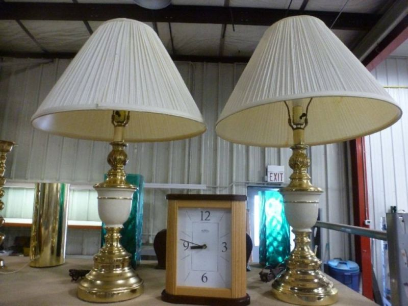 Picture of: Gold Battery Operated Table Lamp
