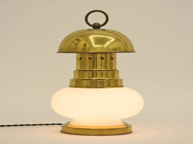 Image of: Lantern Table Lamp Photo