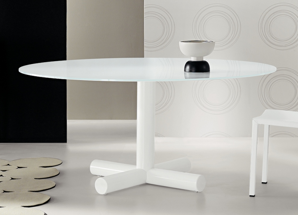 Image of: Contemporary Round Dining Table White