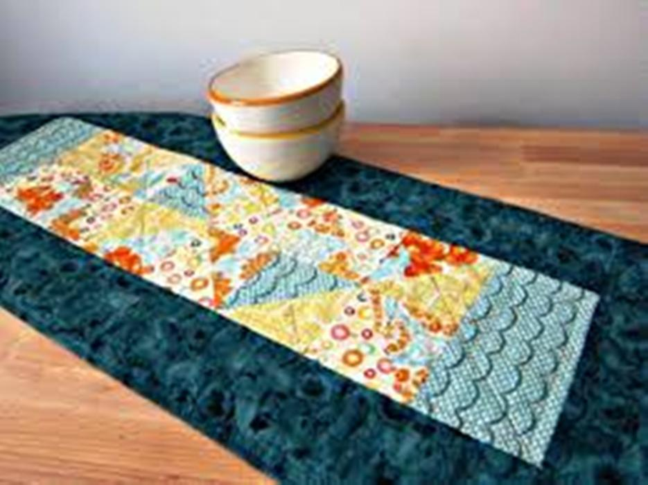 Picture of: Contemporary Table Runners Patterns