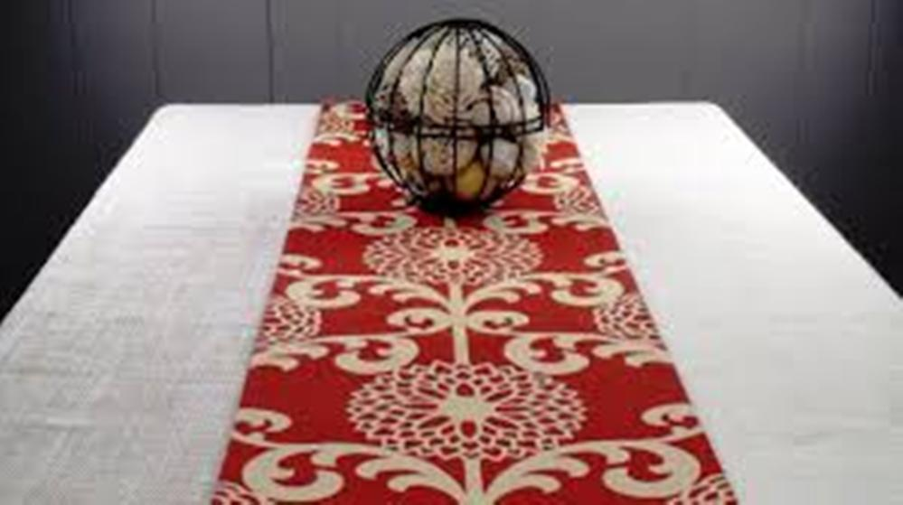 Picture of: Contemporary Table Runners Room