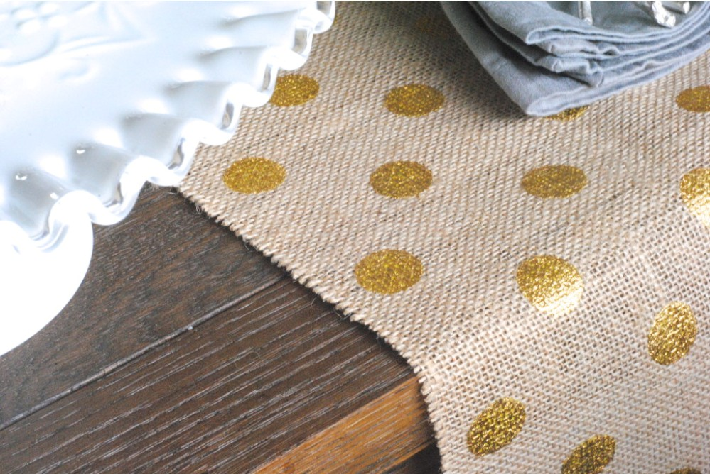 Image of: Contemporary Table Runners and Placemats