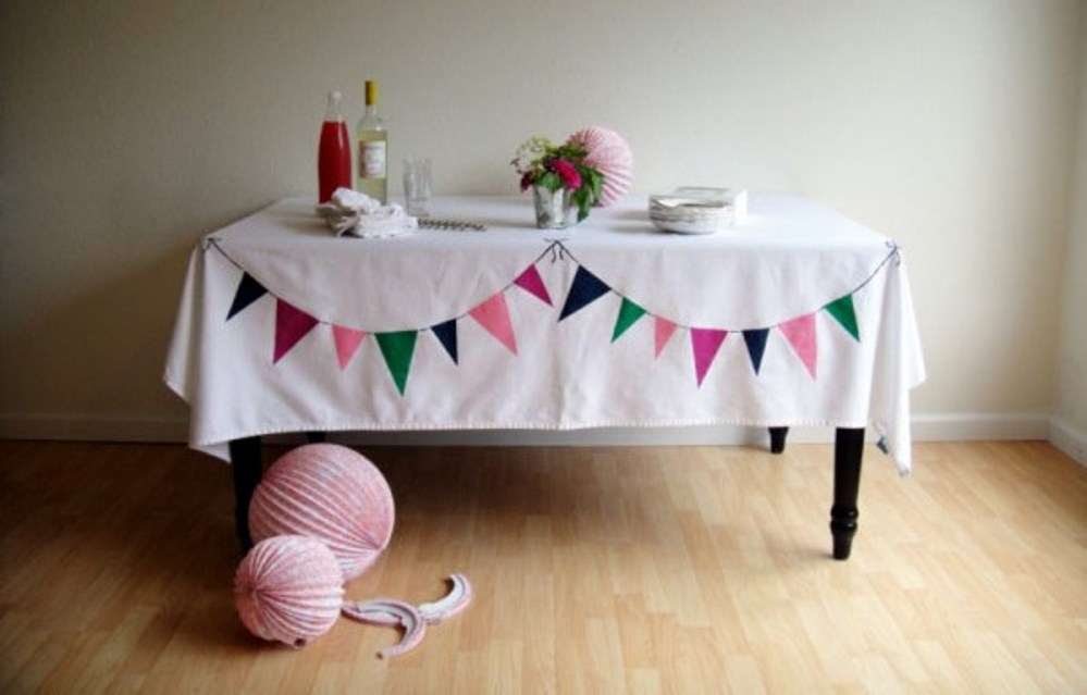 Image of: Linen Contemporary Tablecloths Elegance