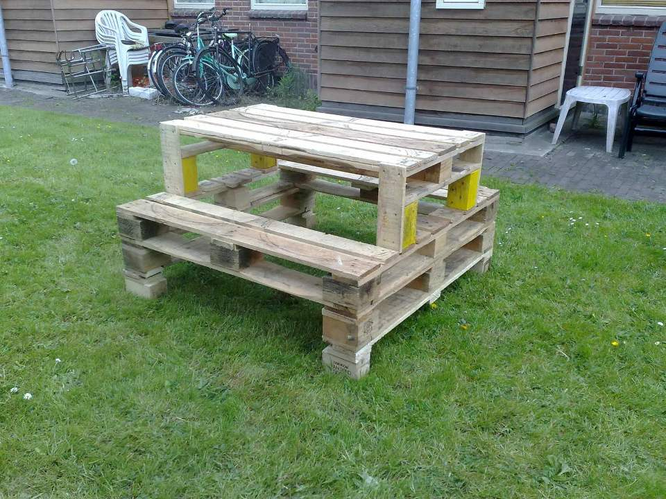 Image of: Best Pallet Picnic Table