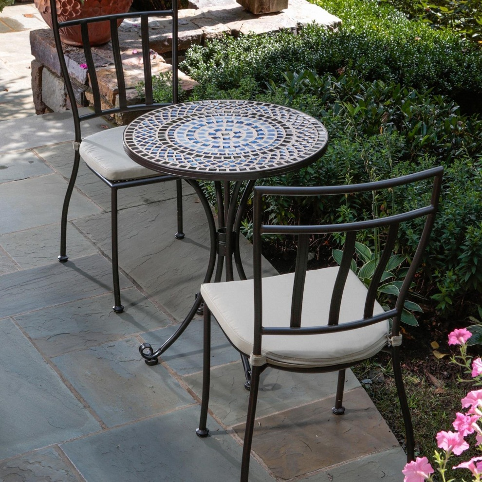 Image of: Garden Outdoor Bistro Table and Chairs