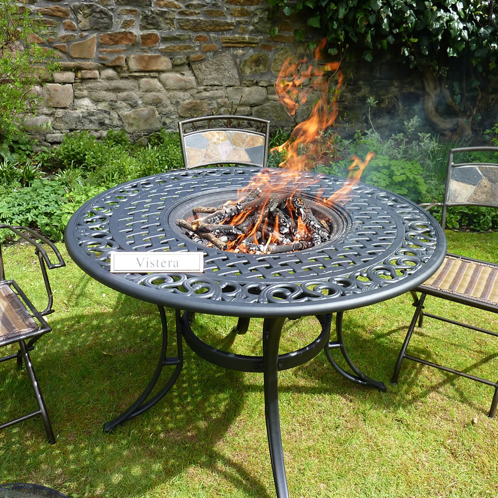 Image of: Luxury Table with Fire Pit