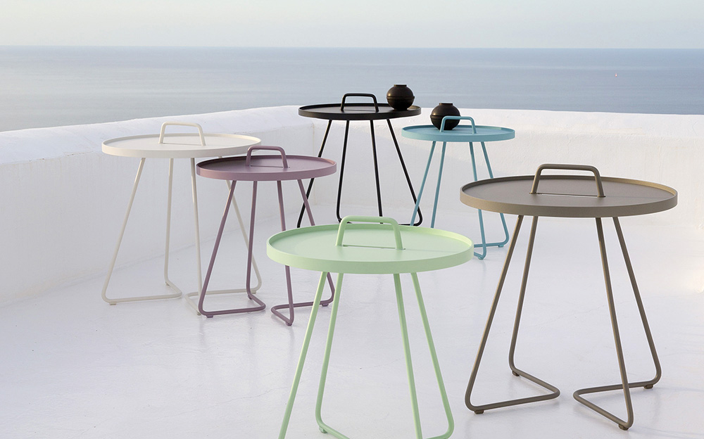 Picture of: Metal Patio Side Table Color
