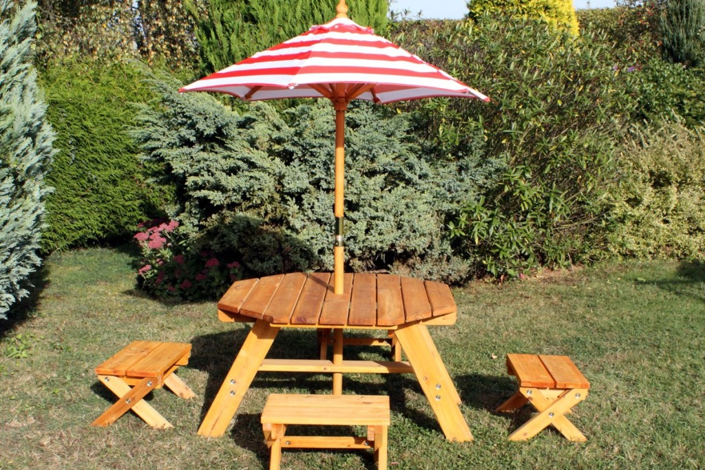 Picture of: Octagonal Picnic Table with Umbrella