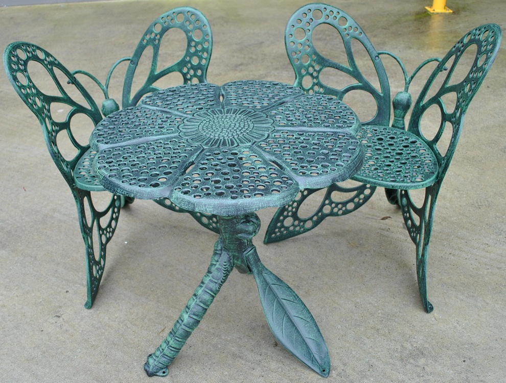 Image of: Outdoor Bistro Table and Chairs Colors