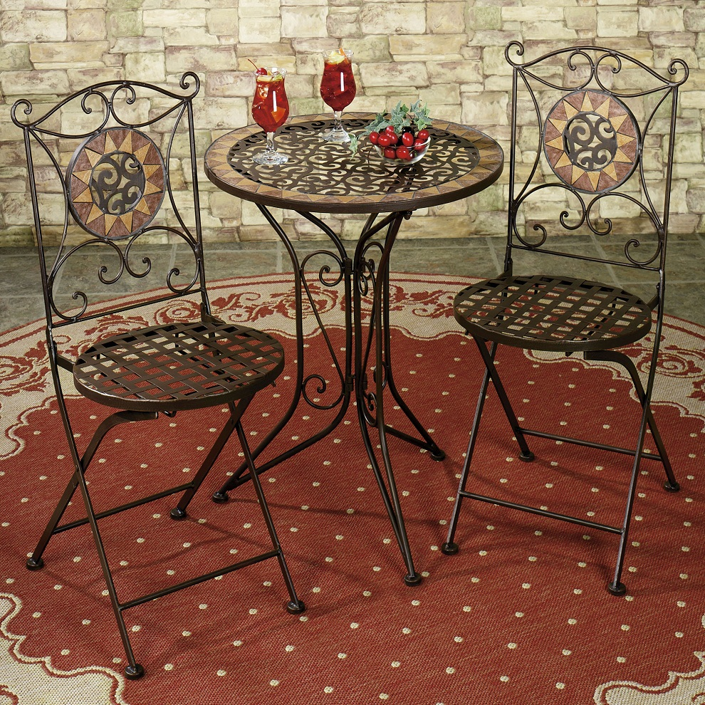 Image of: Outdoor Bistro Table and Chairs Set
