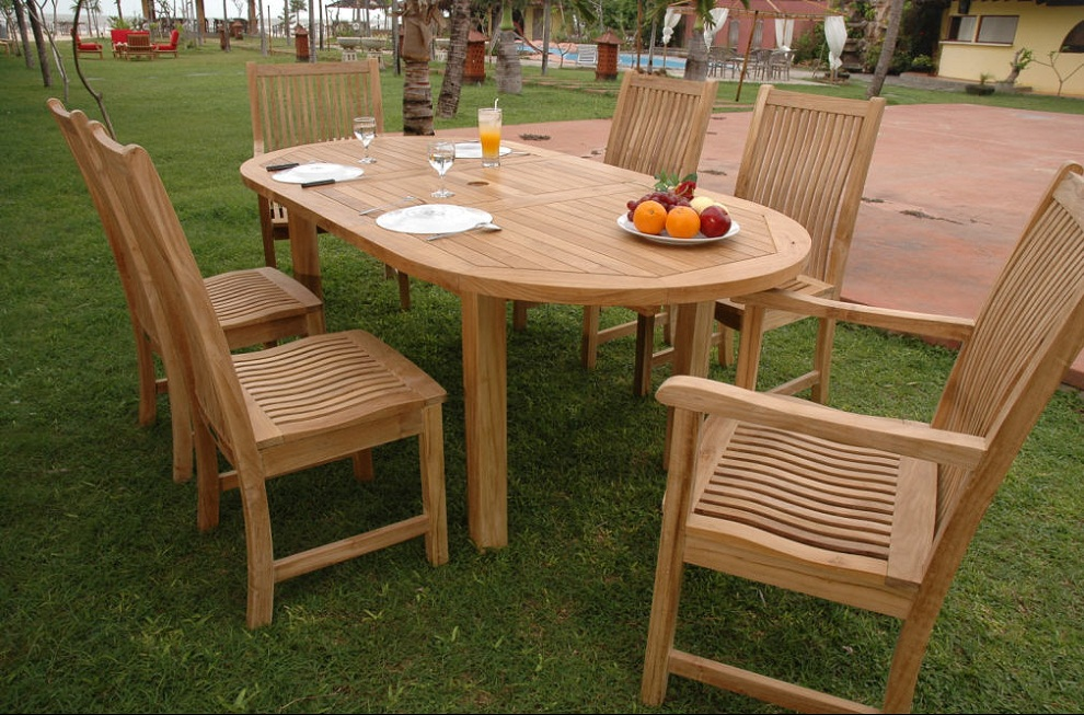 Picture of: Oval Teak Patio Dining Table