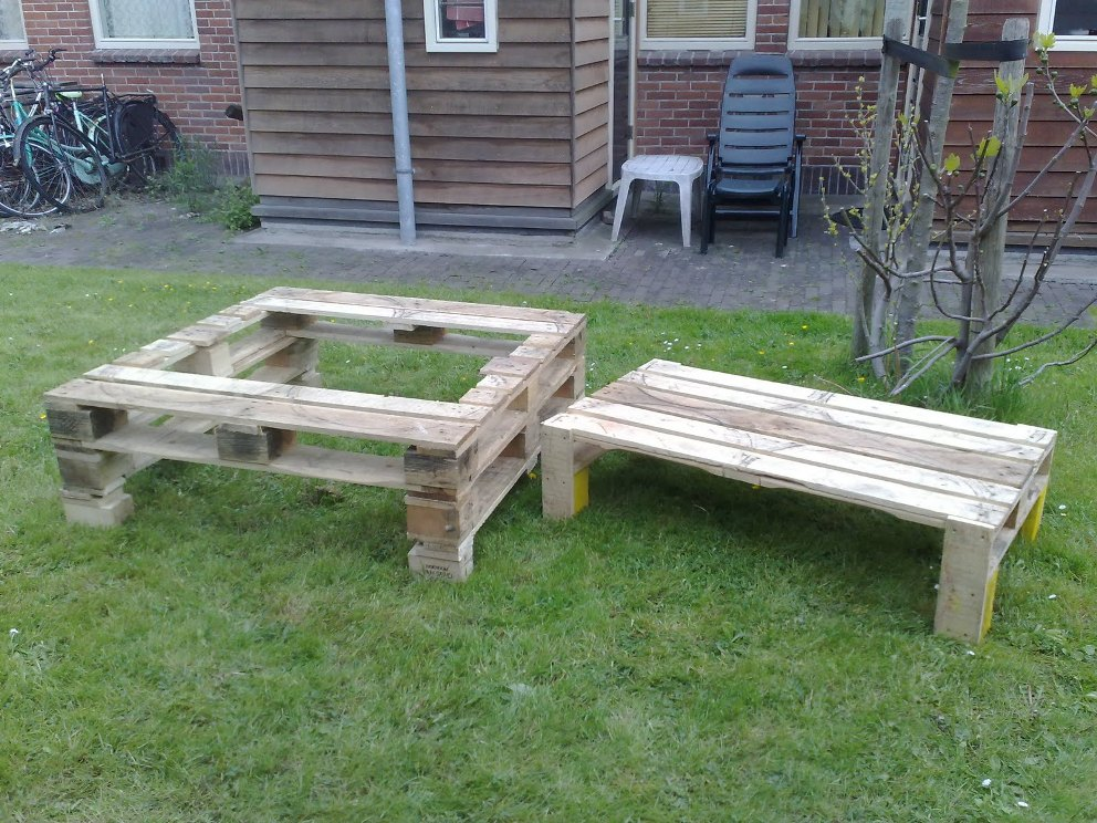 Image of: Pallet Picnic Table Ideas