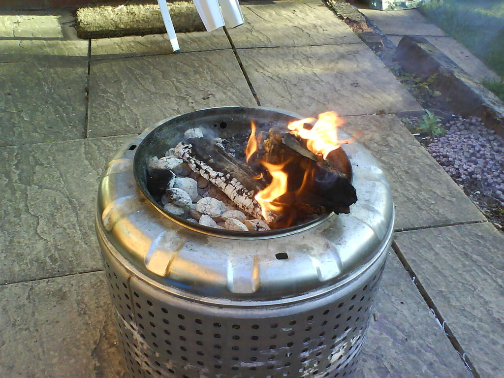 Picture of: Patio Ideas Diy Fire Pit Table