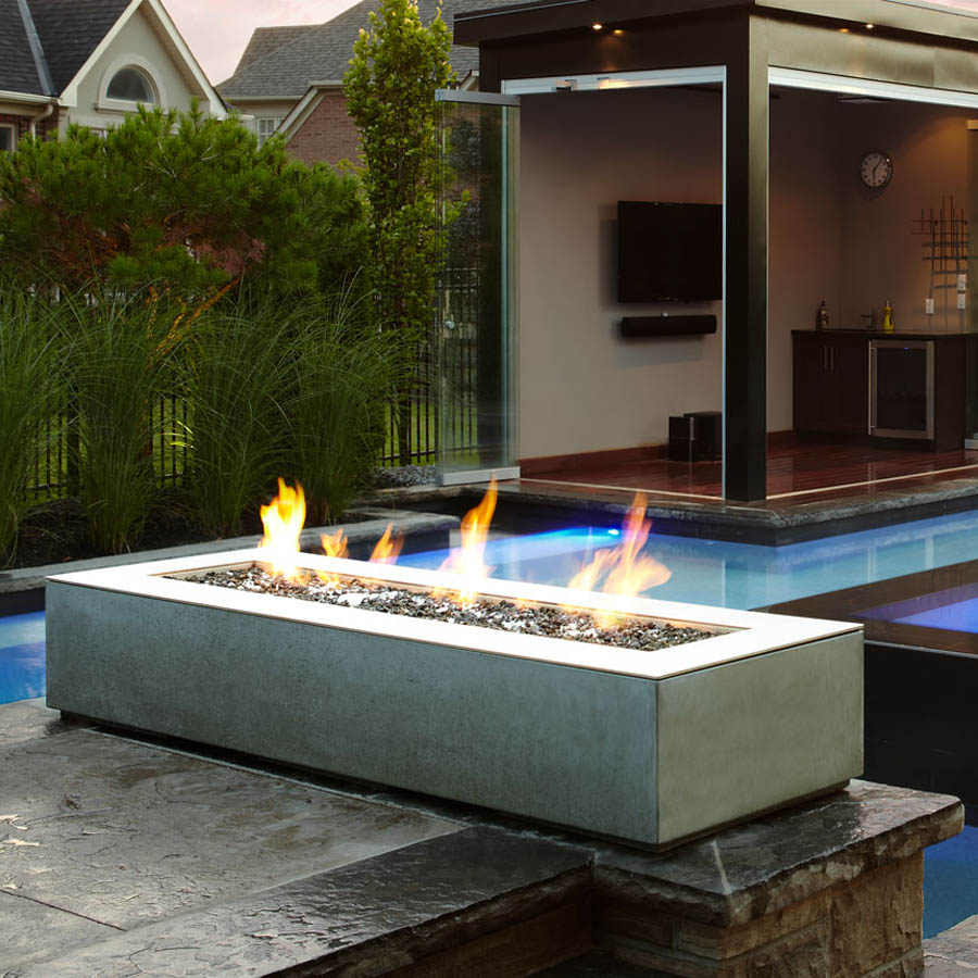 Image of: Patio Table with Firepit Decor