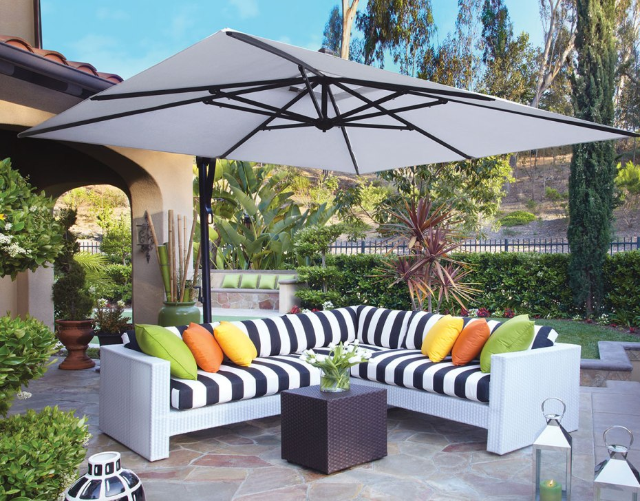 Picture of: Patio Umbrella Side Table Ideas