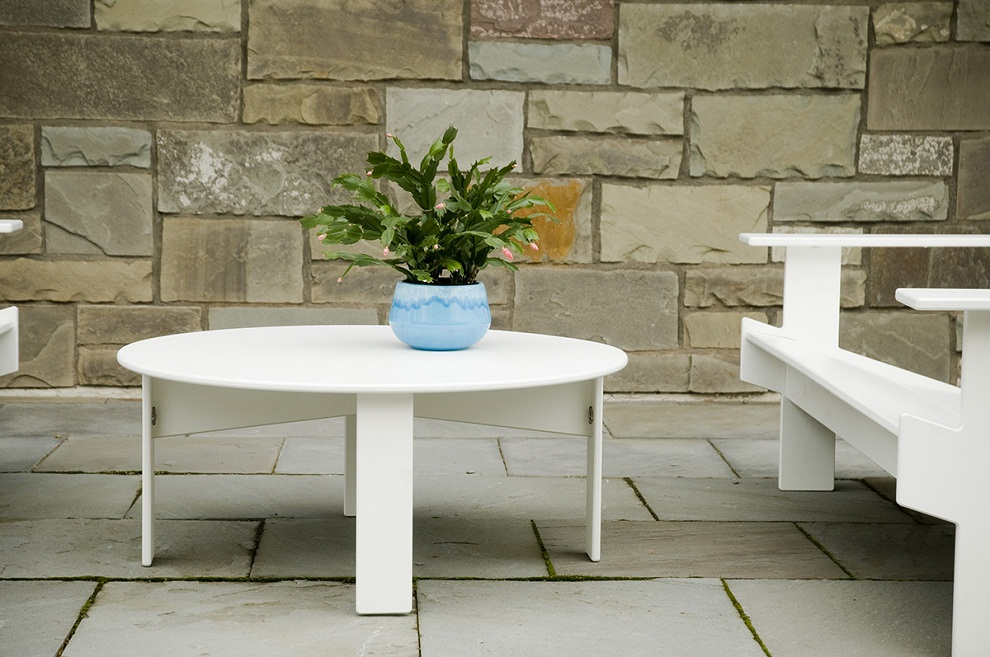 Picture of: Round Patio Coffee Table White