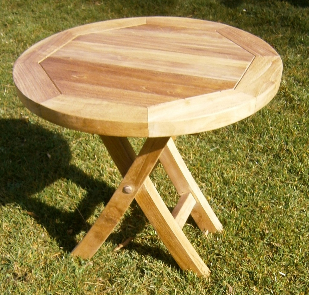 Picture of: Round Patio Coffee Table Wood