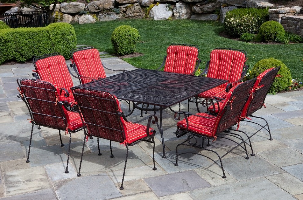 Image of: Square Patio Dining Table and Chairs