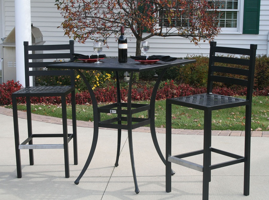 Image of: Tradisional Patio Bar Height Table and Chairs