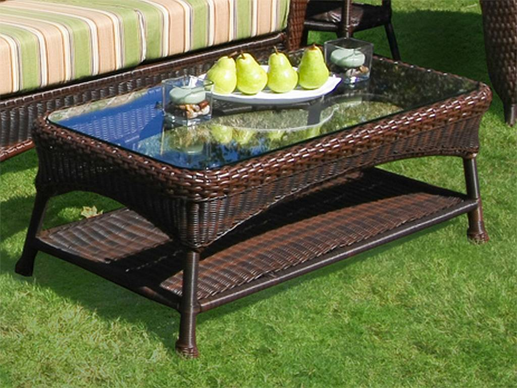 Picture of: Wicker Patio Coffee Table Color