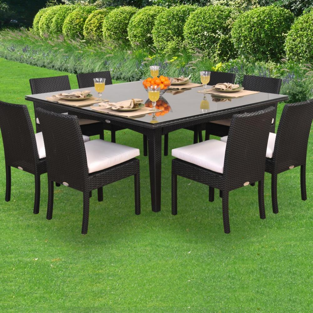 Picture of: Wicker Patio Dining Table Design