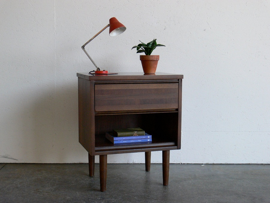 Image of: Good Mid Century Modern End Tables