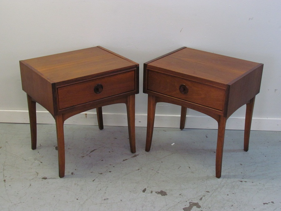Picture of: Mid Century Modern End Tables Ideas