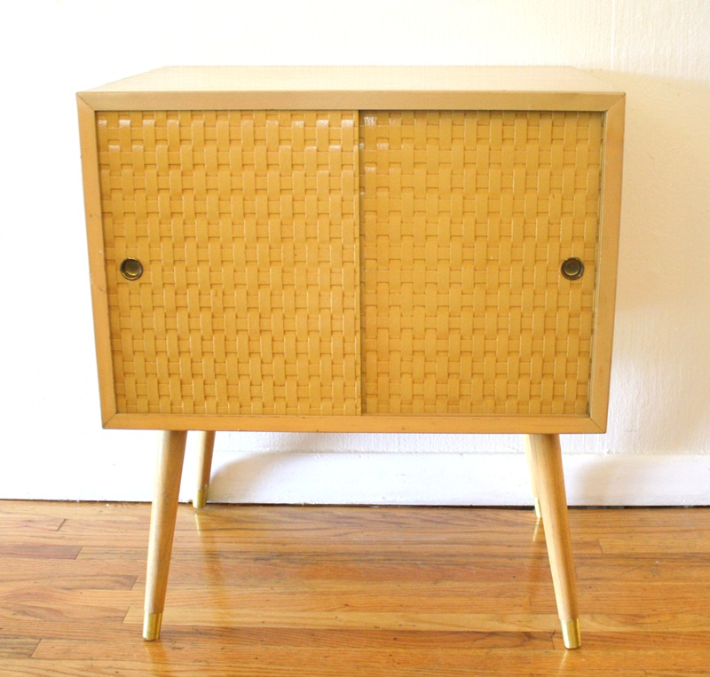Picture of: Nice Mid Century Modern End Tables
