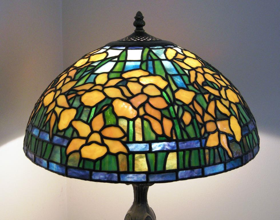 Image of: Dale Tiffany Table Lamps Idea