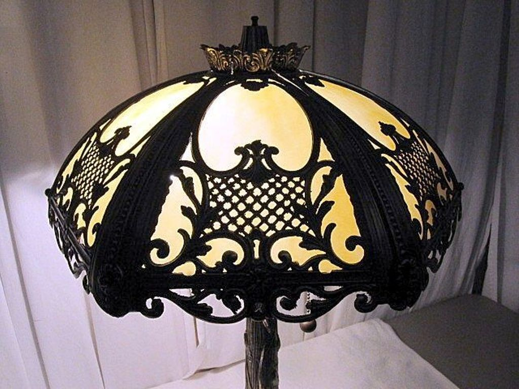 Image of: Dale Tiffany Table Lamps Shades
