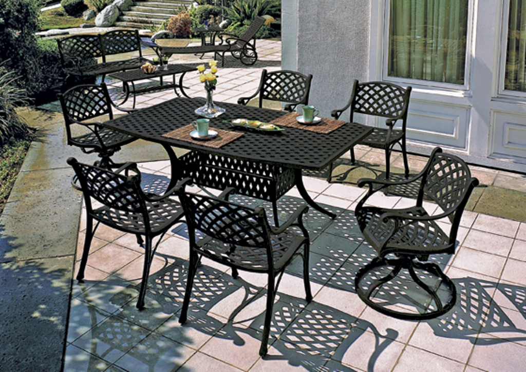 Picture of: Aluminum Patio Table Set