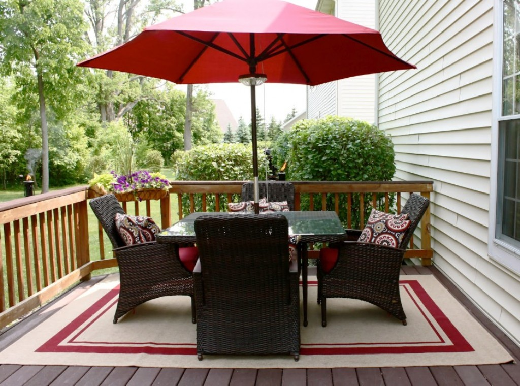 Picture of: Beautiful Patio Table Umbrella