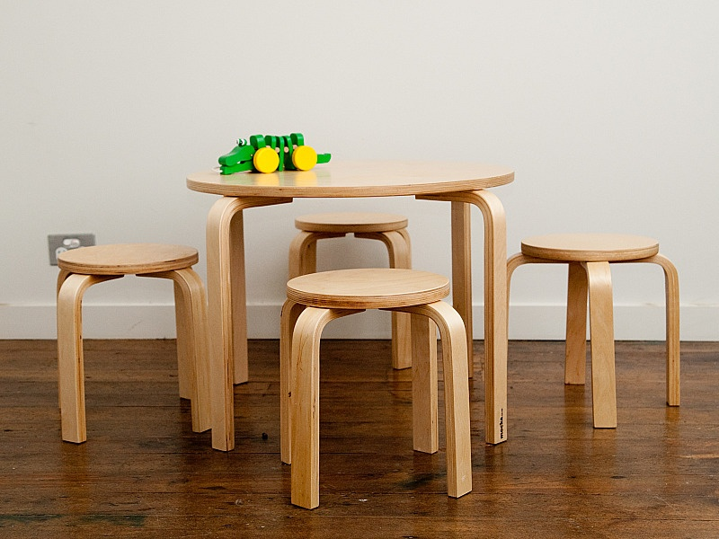 Image of: Best Childrens Wooden Table and Chairs Style
