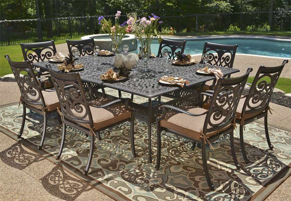 Image of: Cast Aluminum Patio Tables Furniture