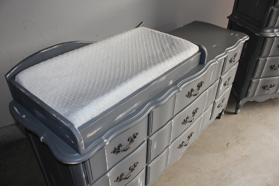Image of: Changing Table Tray Style