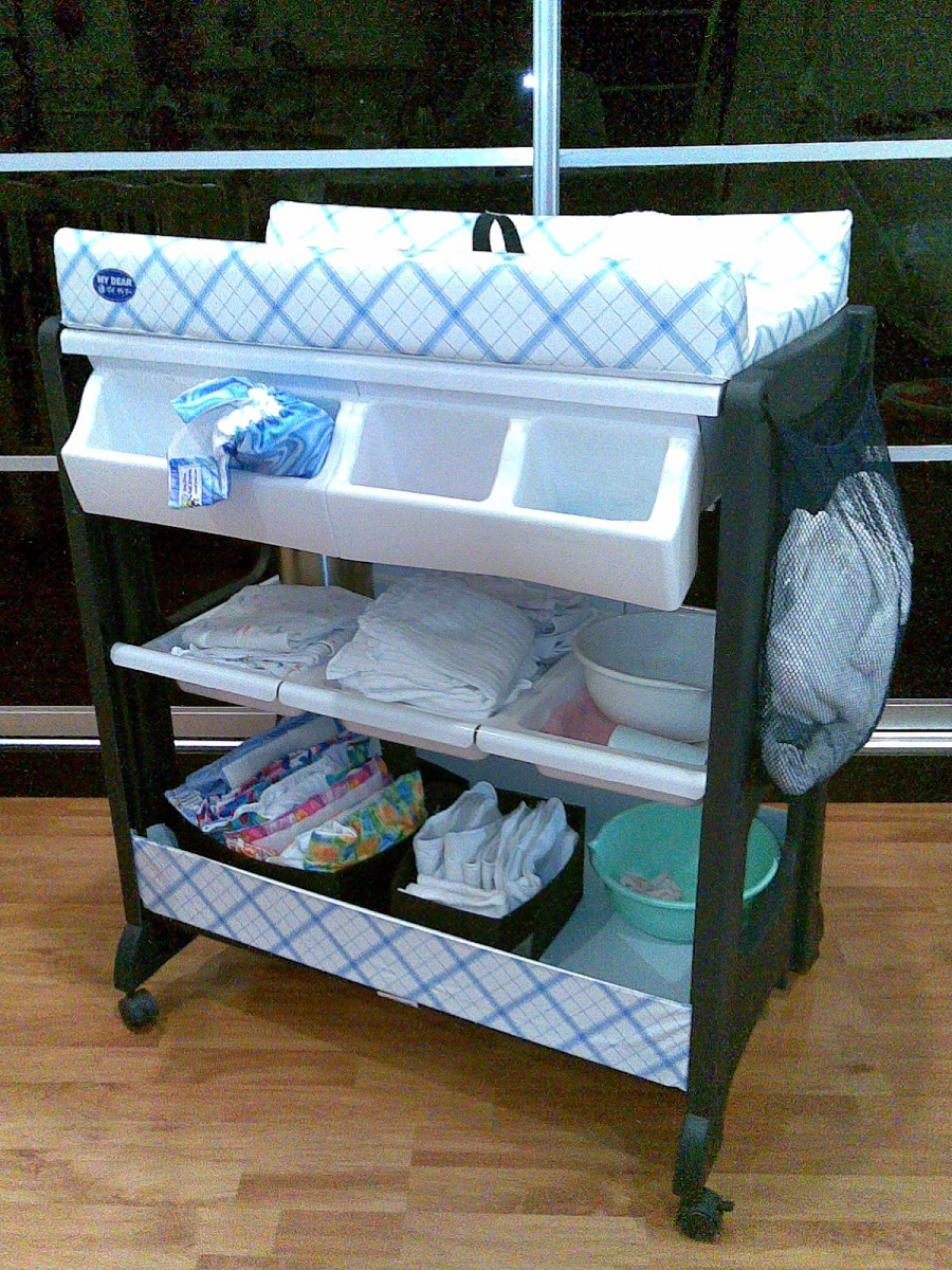 Image of: Changing Table Tray on Wheel