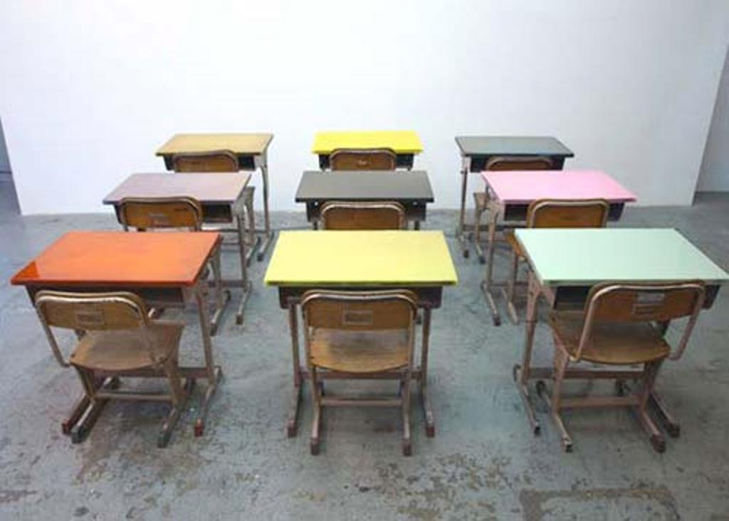 Picture of: Children Folding Table and Chairs Seize