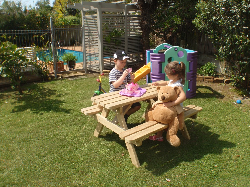 Image of: Childrens Picnic Table Backyard