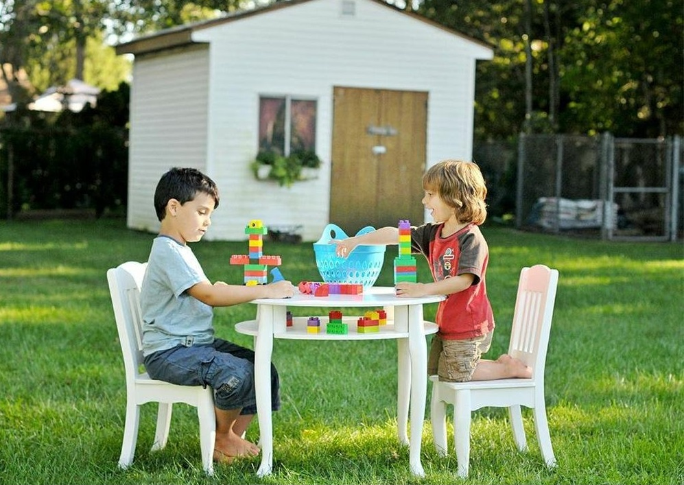Image of: Childrens Picnic Table Playing Toys