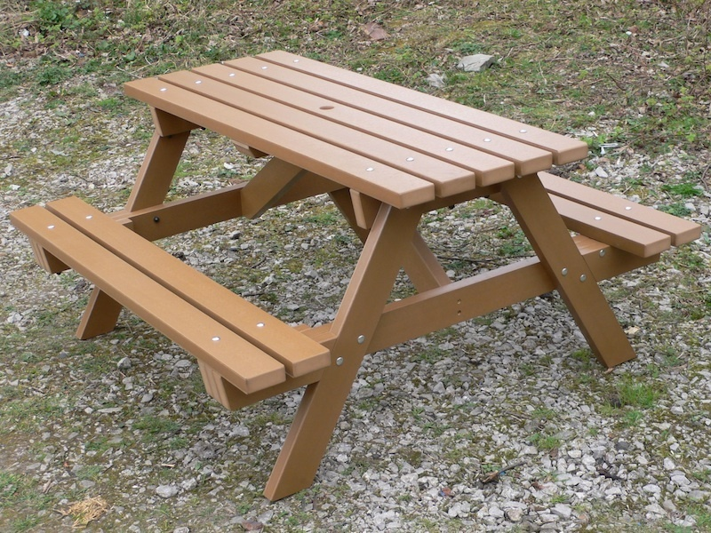 Image of: Childrens Picnic Table Simple