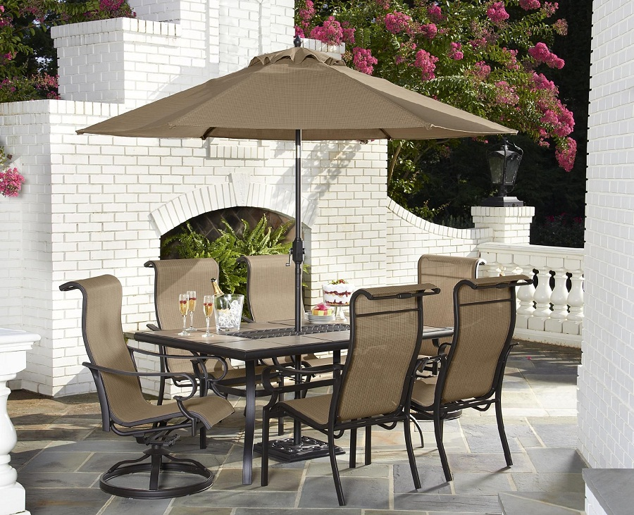 Picture of: Cozy Rectangle Patio Dining Table