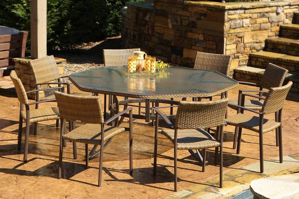 Image of: Decorative Table Octagon Patio Table