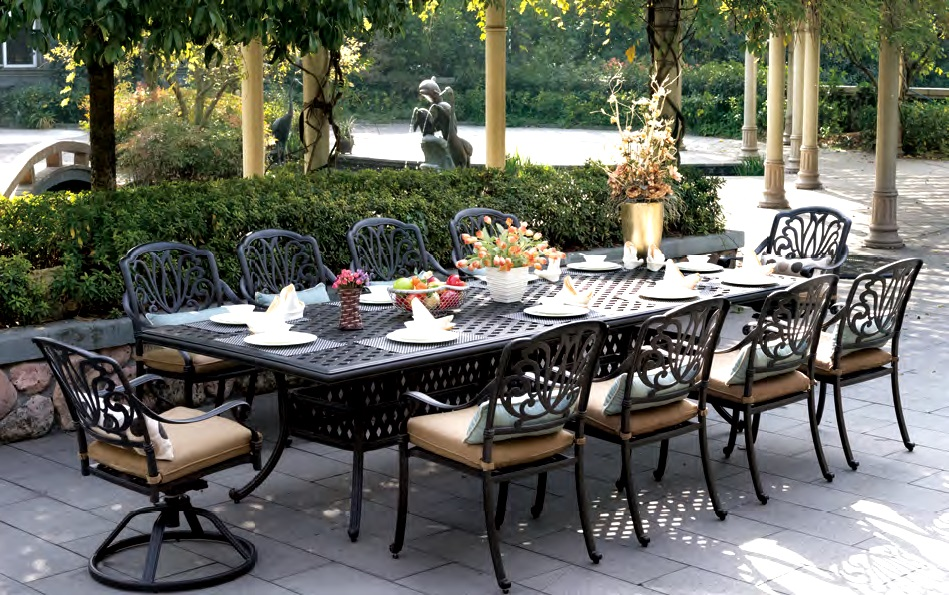 Image of: Dining Set Cast Aluminum Patio Table