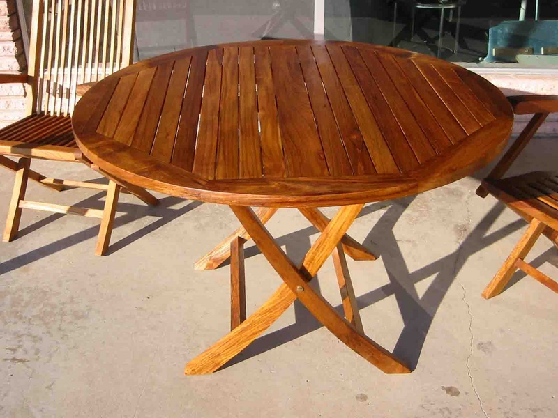 Image of: Folding Outdoor Dining Table Round