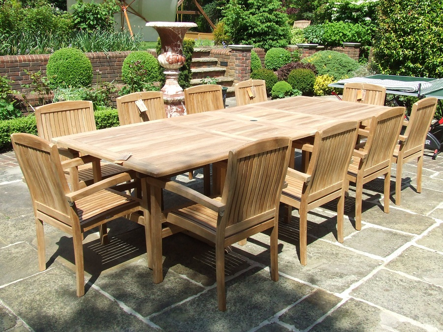 Image of: Folding Outdoor Dining Table Teak