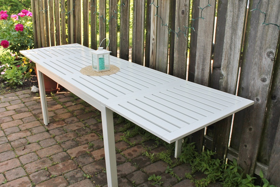 Image of: Folding Outdoor Dining Table White